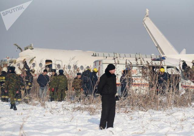 纳扎尔巴耶夫对阿拉木图空难表示哀悼