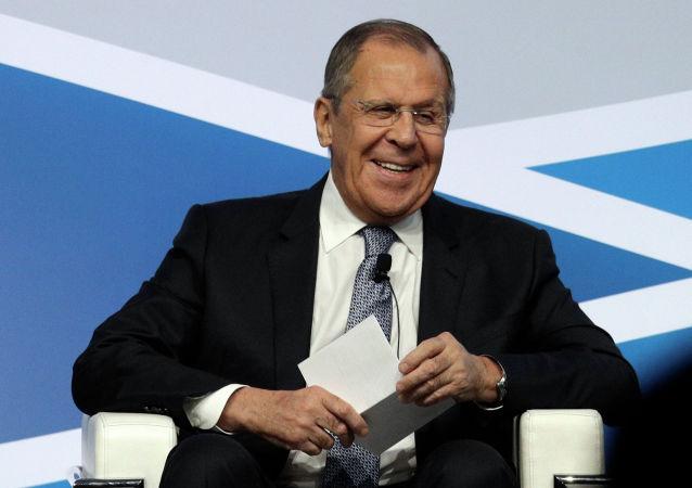 俄外长:俄罗斯愿在莫斯科等地举办G7会议
