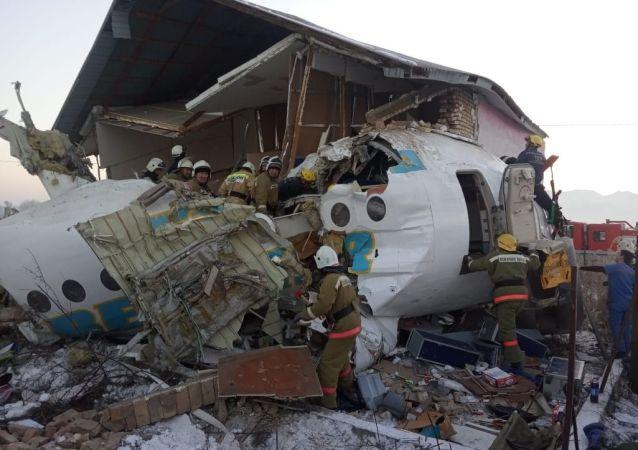 阿拉木图附近坠毁飞机的飞行记录仪将被转到莫斯科进行鉴定