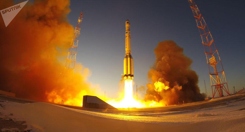 """俄罗斯""""电子-L""""3号气象卫星发射"""