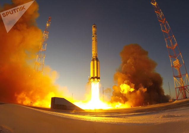 """""""质子-M""""火箭的发射"""