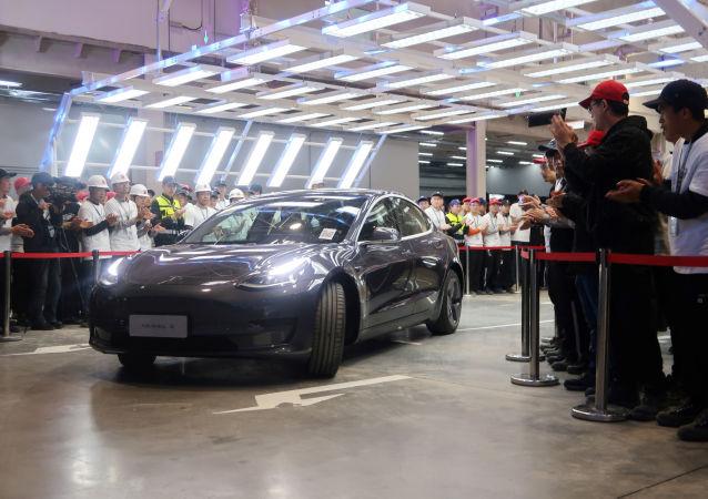 特斯拉开始交付首批在华生产的Model 3
