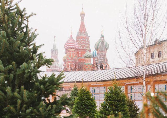 莫斯科遇无雪暖冬 靠人造雪营造新年氛围