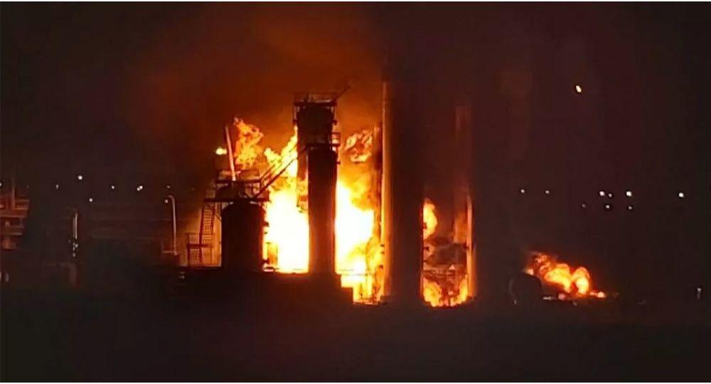 俄卢克石油公司在科米共和国的石油加工厂发生火灾