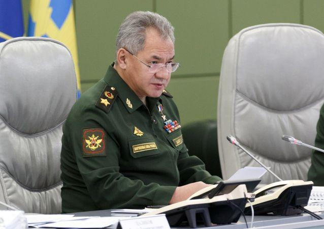 俄防长:今年底前俄军将再接收十万剂新冠疫苗