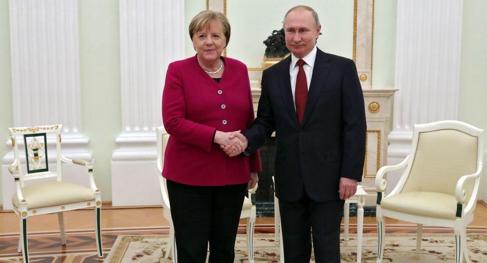 普京:俄罗斯高度评价德国支持北溪2号项目的立场