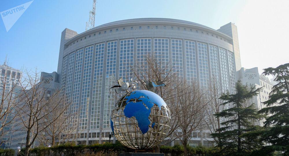 美再批对台24亿美元军售 中国外交部:将采取正当必要措施坚定捍卫国家主权和安全利益