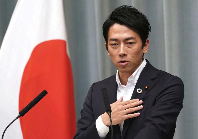 为什么日本大臣要休产假?