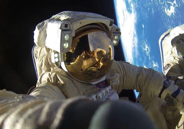 俄宇航员培训中心2018年心理学家筛选掉50%的应征者