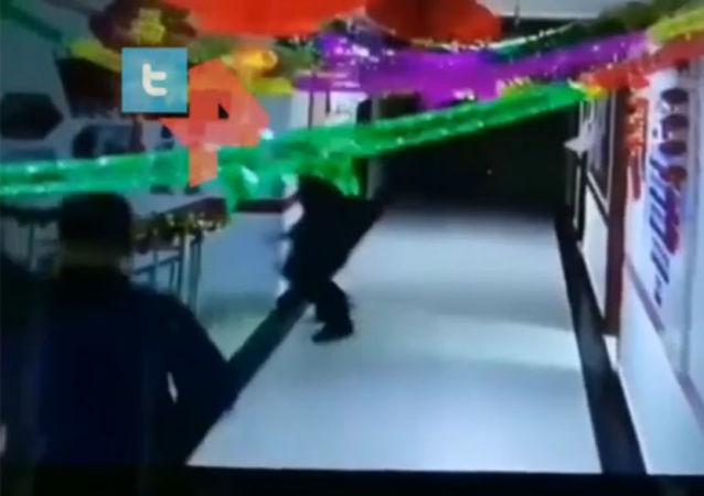 中国6.4级地震视频曝出