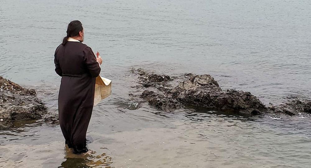 在香港的中国南海中进行了宗教仪式