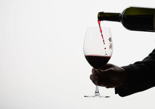 酒精对骨骼健康有负面影响