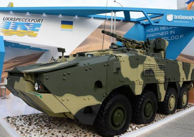 BTR-4E装甲运兵车