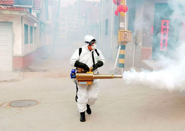 专家谈冠状病毒新病例数量减少:中国所采取的措施富有成效