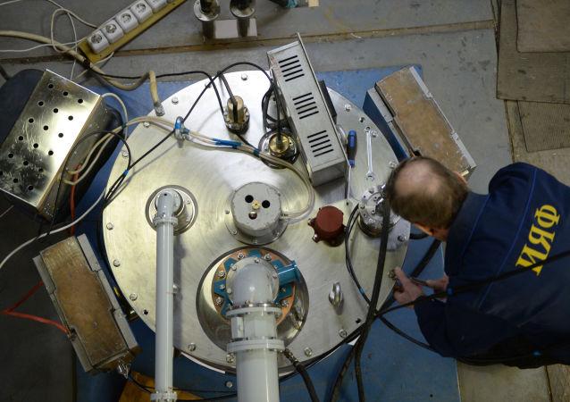专家组装工业级电子加速器