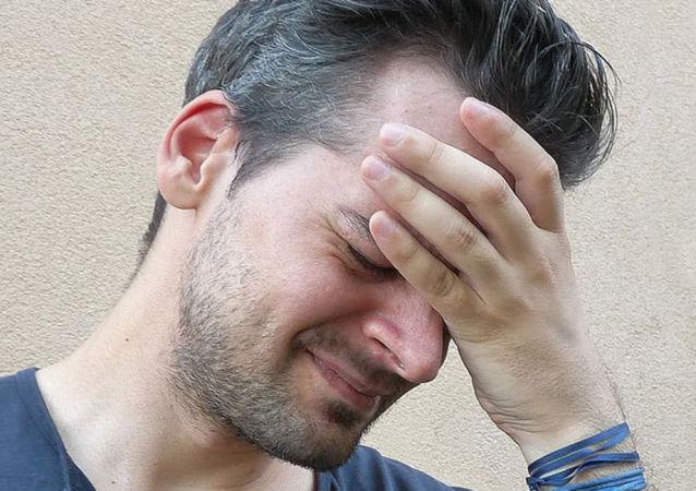 哈佛大学科学家证明白发与压力有关