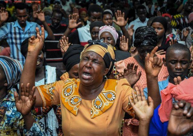 媒体:坦桑尼亚北部一座堂发生踩踏事故致20人死亡