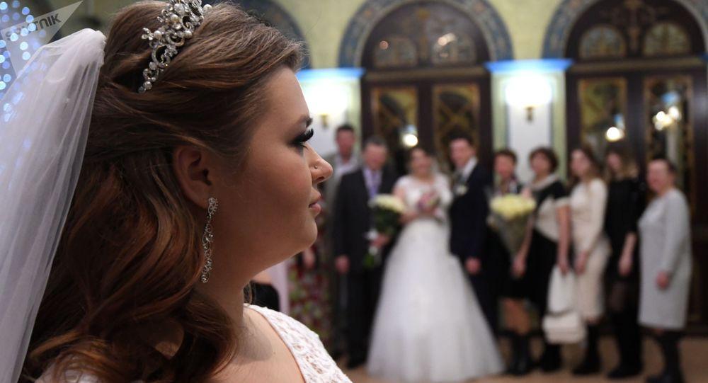 俄罗斯人登记结婚更多 离婚更少