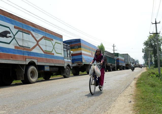 印度不该对中国帮助尼泊尔出海作出消极反应