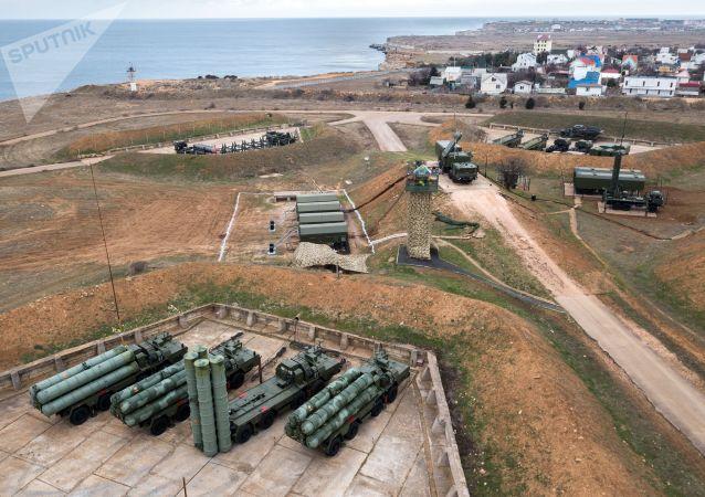 俄防空导弹兵演习在克里米亚开始