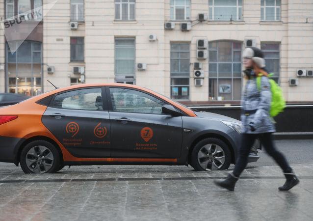 俄罗斯城市街头上的共享车每年都在增加