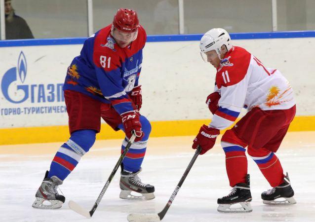 佩斯科夫谈冰球运动员与普京打球