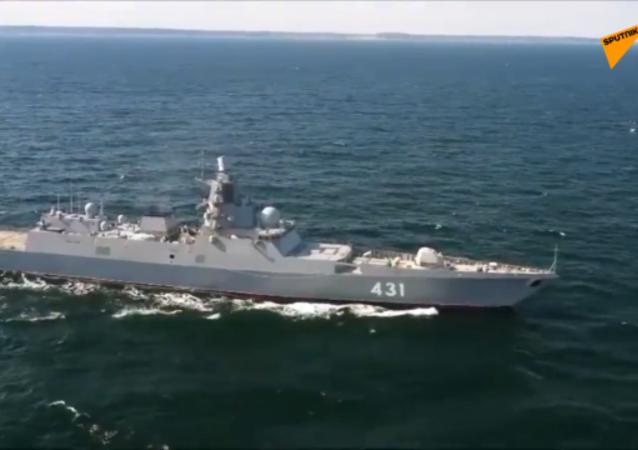 """""""卡萨托诺夫海军上将""""号新型护卫舰"""