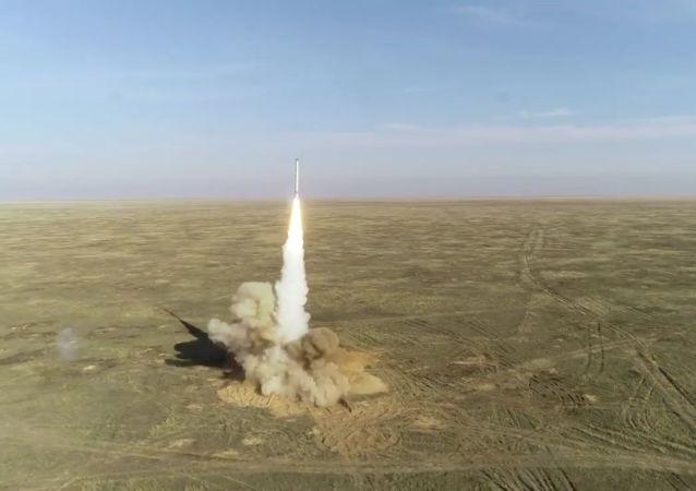 """俄军""""伊斯坎德尔-M""""战役战术导弹"""