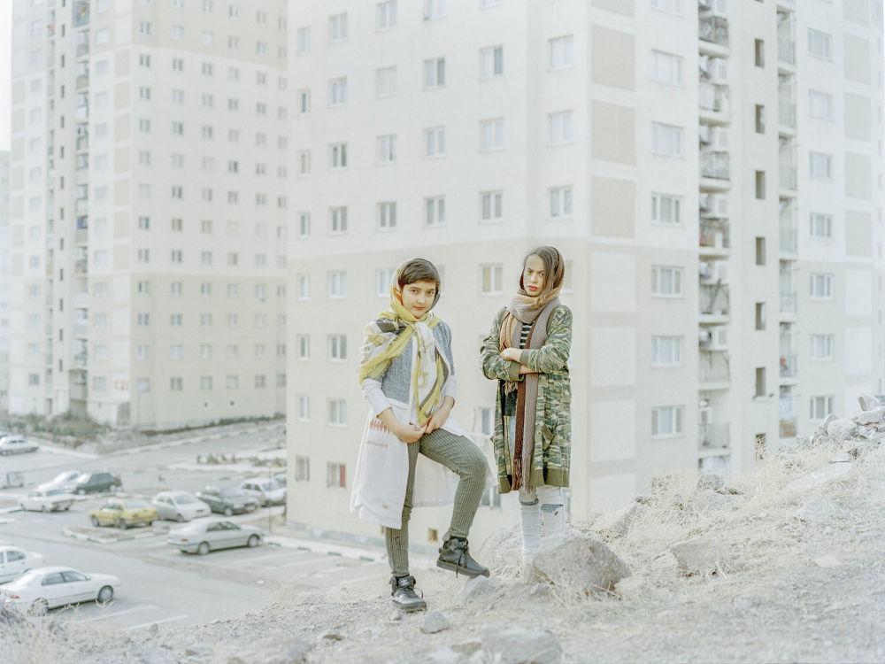 伊朗专业摄影师哈什姆·沙克里的摄影系列《失乐园》中的作品《失乐园》