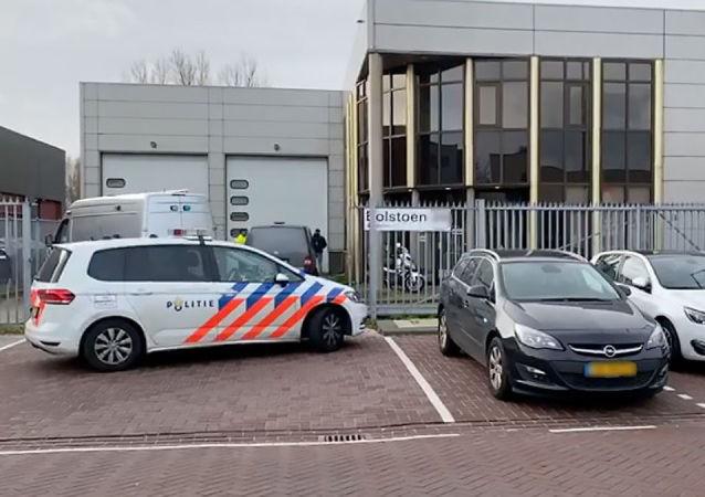 警方:阿姆斯特丹办公楼内发生信封炸弹爆炸