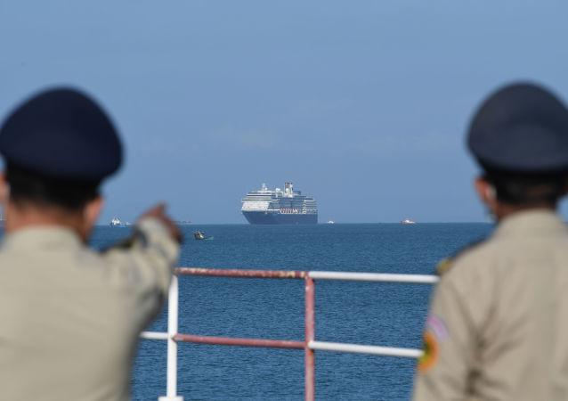 """俄使馆:""""威士特丹""""号邮轮上第一批俄公民将于周六离开柬埔寨"""