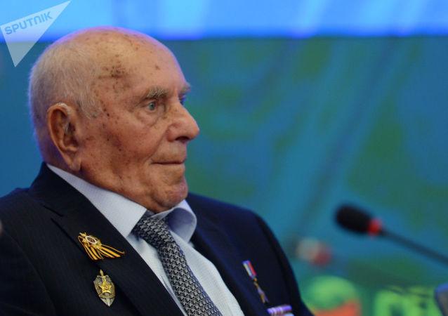 """传奇侦察员、波兰城市""""克拉科夫的解放者""""阿列克谢•博强逝世"""