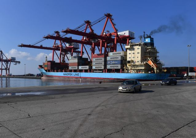 马士基公司集装箱船在尼日利亚海岸遭海盗劫持