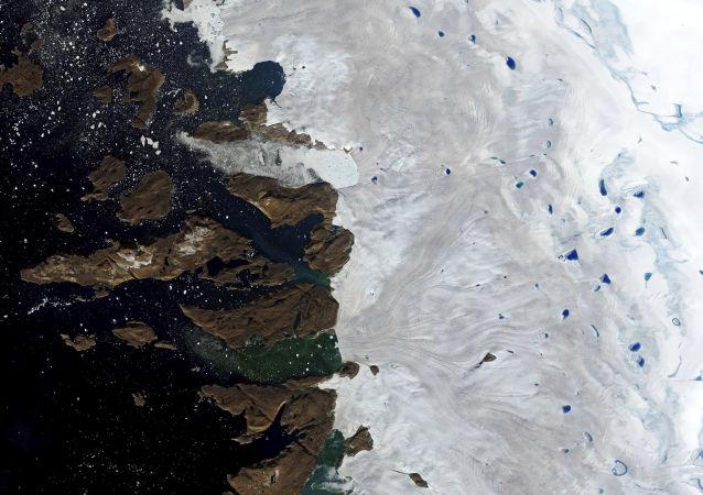 格陵兰岛将向商业公司出售融化的雪水