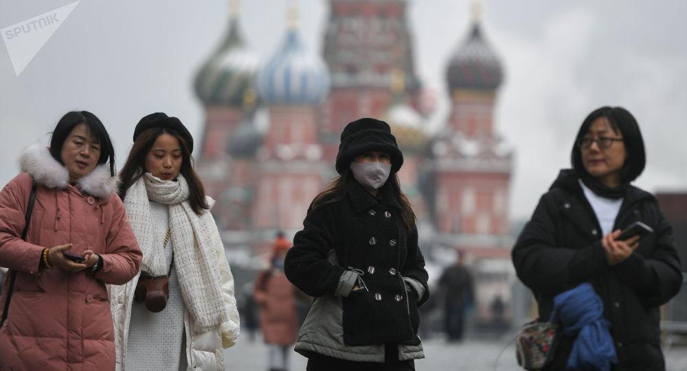"""俄联邦卫生部并未将新冠病毒定性为""""人工合成"""""""