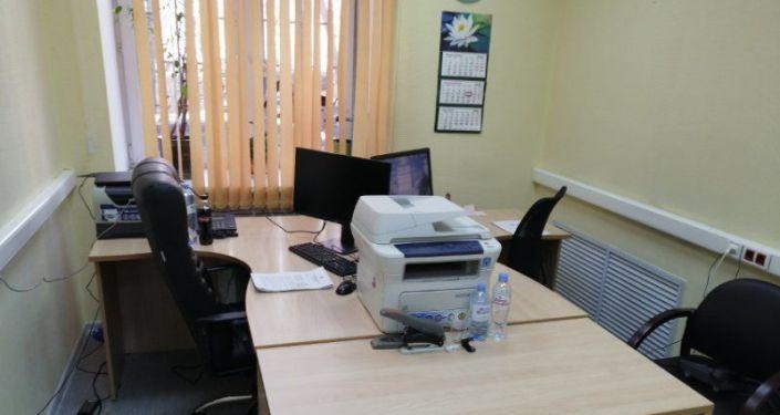 """志愿者的""""中文健康热线""""办公室"""