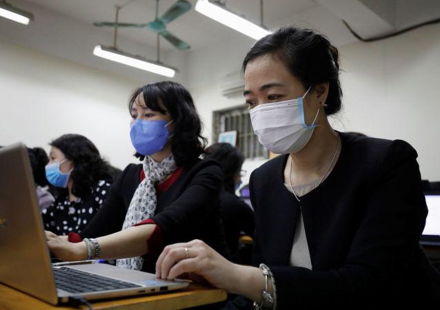 中国留学生参与俄大学远程教育的积极性非常高 隔离病毒不隔离爱