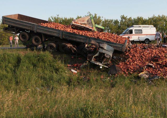 俄道路交通管理局:俄2019年交通事故导致近1.7万人死亡