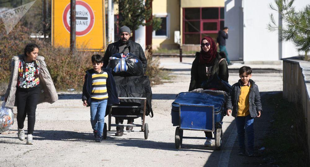 土耳其红新月会:在土移民向土耳其-欧洲边境的流动有所加强