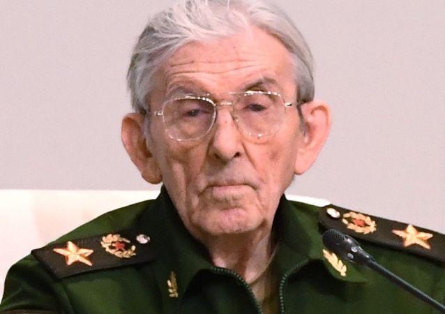 前苏联国防部副部长弗拉基米尔·舒拉廖夫
