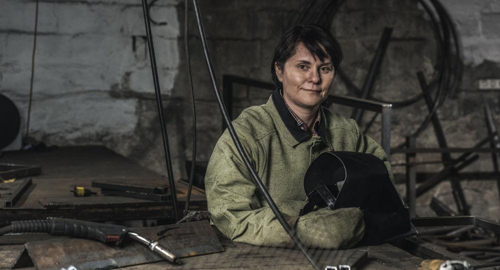 一些焊接工种,依然属女性禁止职业
