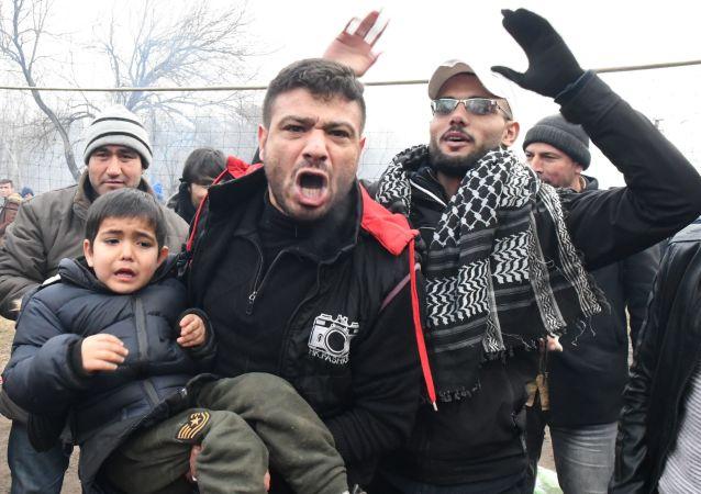希腊媒体:土耳其或向希腊运送感染新冠病毒的移民