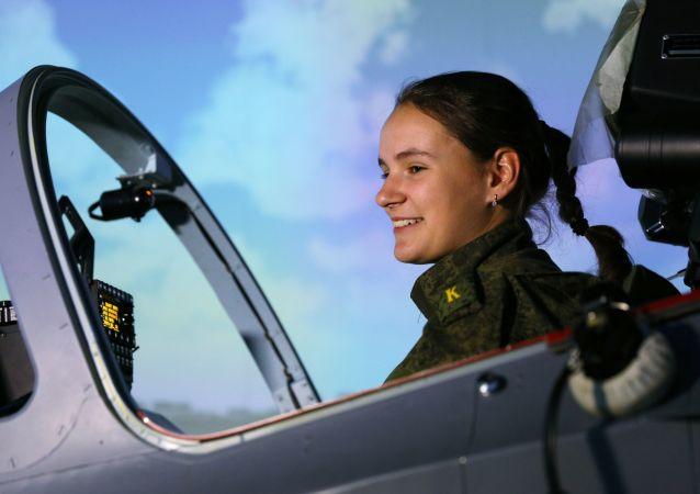 克拉斯诺达尔飞行员军校的女学员们