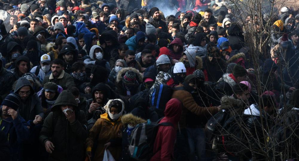 土耳其借防暴警察防止难民被希腊驱逐