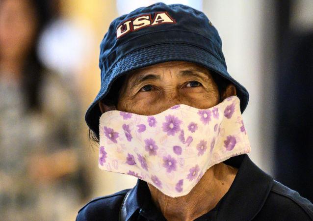 泰国公共卫生部提议居民在家制作两亿件纱布口罩