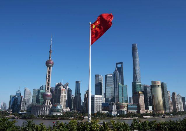 """中国发改委主任:中共十九届五中全会提出中国经济社会发展""""六个新""""目标"""