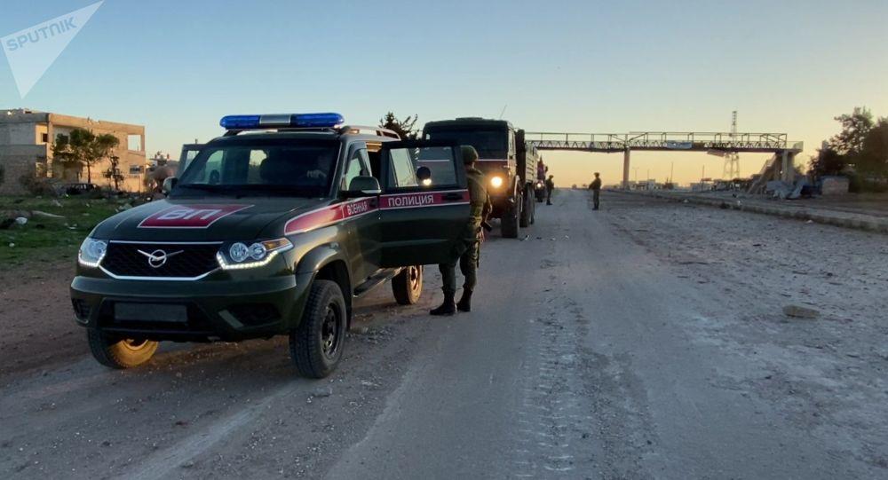 伊德利卜的俄罗斯宪兵巡逻队