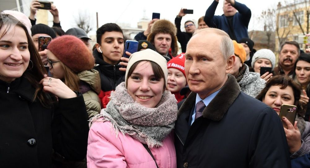 大多数俄罗斯民众对普京总统的施政表示满意