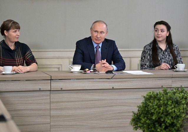 普京:没有对担任总统感到疲劳 这并非工作而是命运