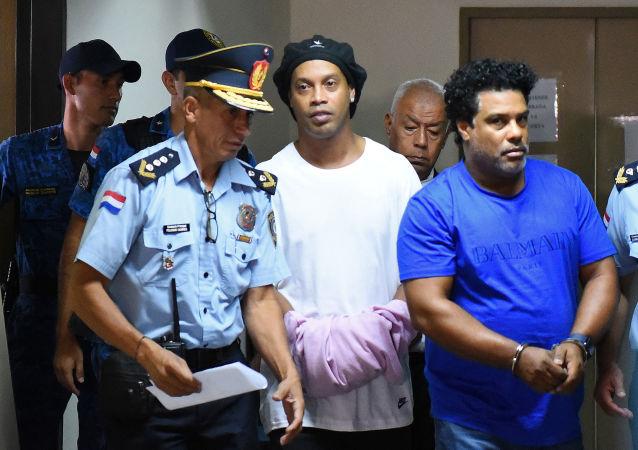 小罗拘留期延长至6个月